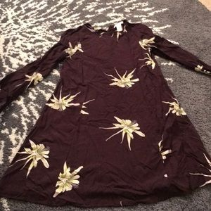 H&M maroon lily dress with buttons up the back